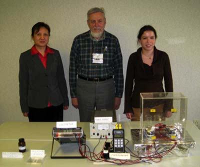 Qiongshu Wang, John Dash and a student at the 2009 ACS meeting (courtesy of Qiongshu Wang).